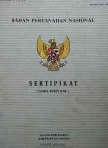 simatupang-depan-trakindo-sertifikat