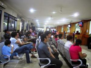 Kantor Imigrasi Waru Surabaya - suasana pagi itu padahal belum ada yang dipanggil
